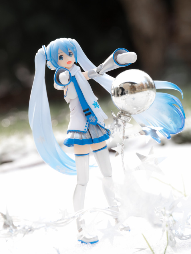 Figure-moe-Snow-Miku-12