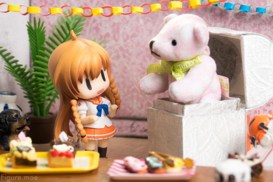 Figure-moe-Mirais-BIG-Birthday-Gift-4